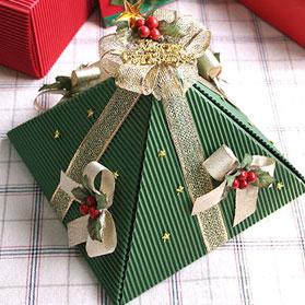 Новорічна упаковка для подарунка